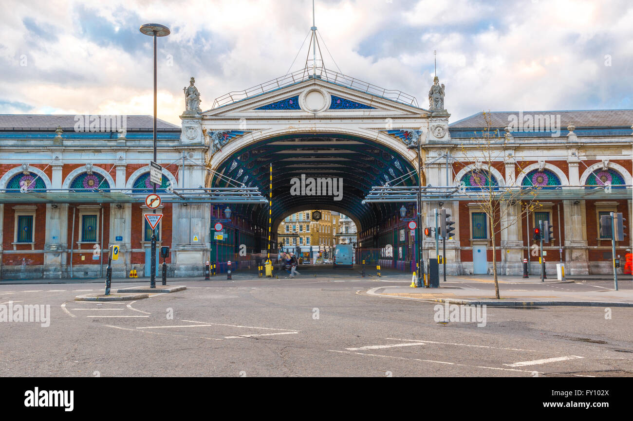 Symmetric view of Smithfield Poultry Market in London - Stock Image
