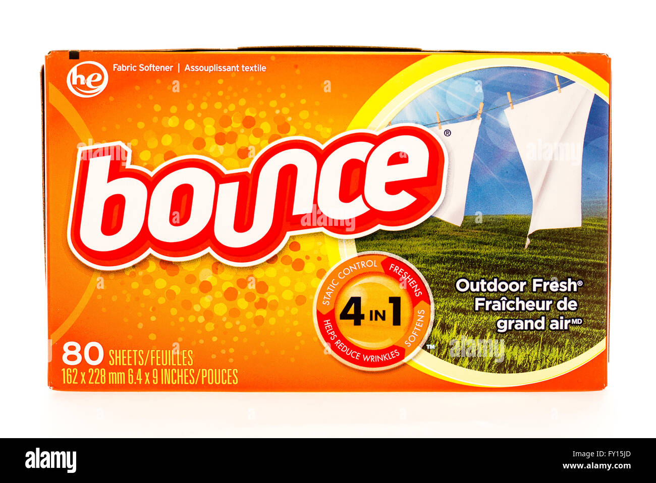 Winneconne, WI - 7 August 2015:  Box of Bounce fabric softner sheets. Stock Photo
