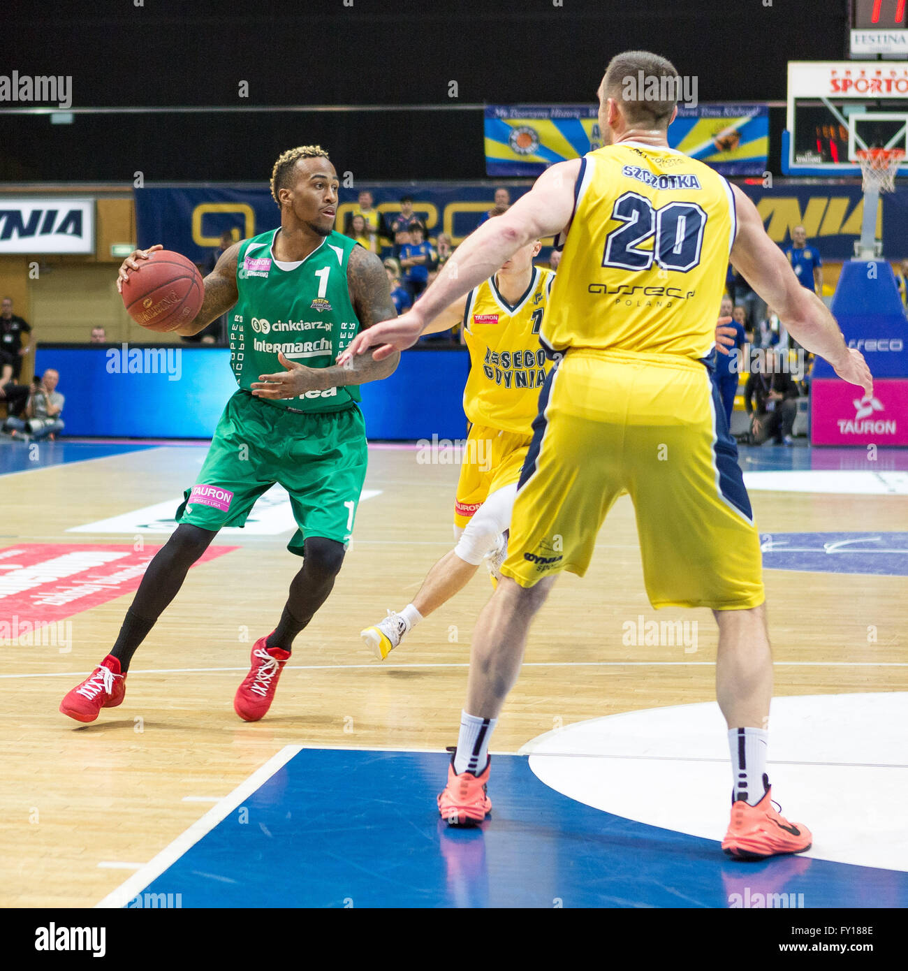 Gdynia Arena, Gdynia, Poland, 19th April, 2016. Basketball Tauron League,  Dee Bost, Piotr Szczotka in action during - Stock Image