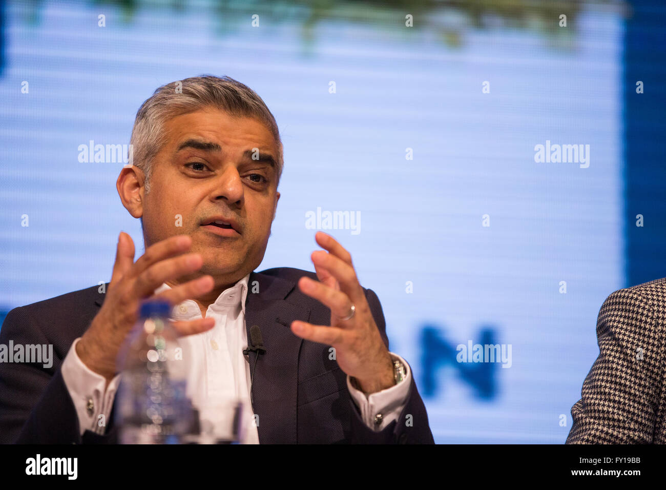 London, UK. 19th April, 2016. Sadiq Khan, Labour Party candidate, addresses the London Mayoral Church Hustings at - Stock Image
