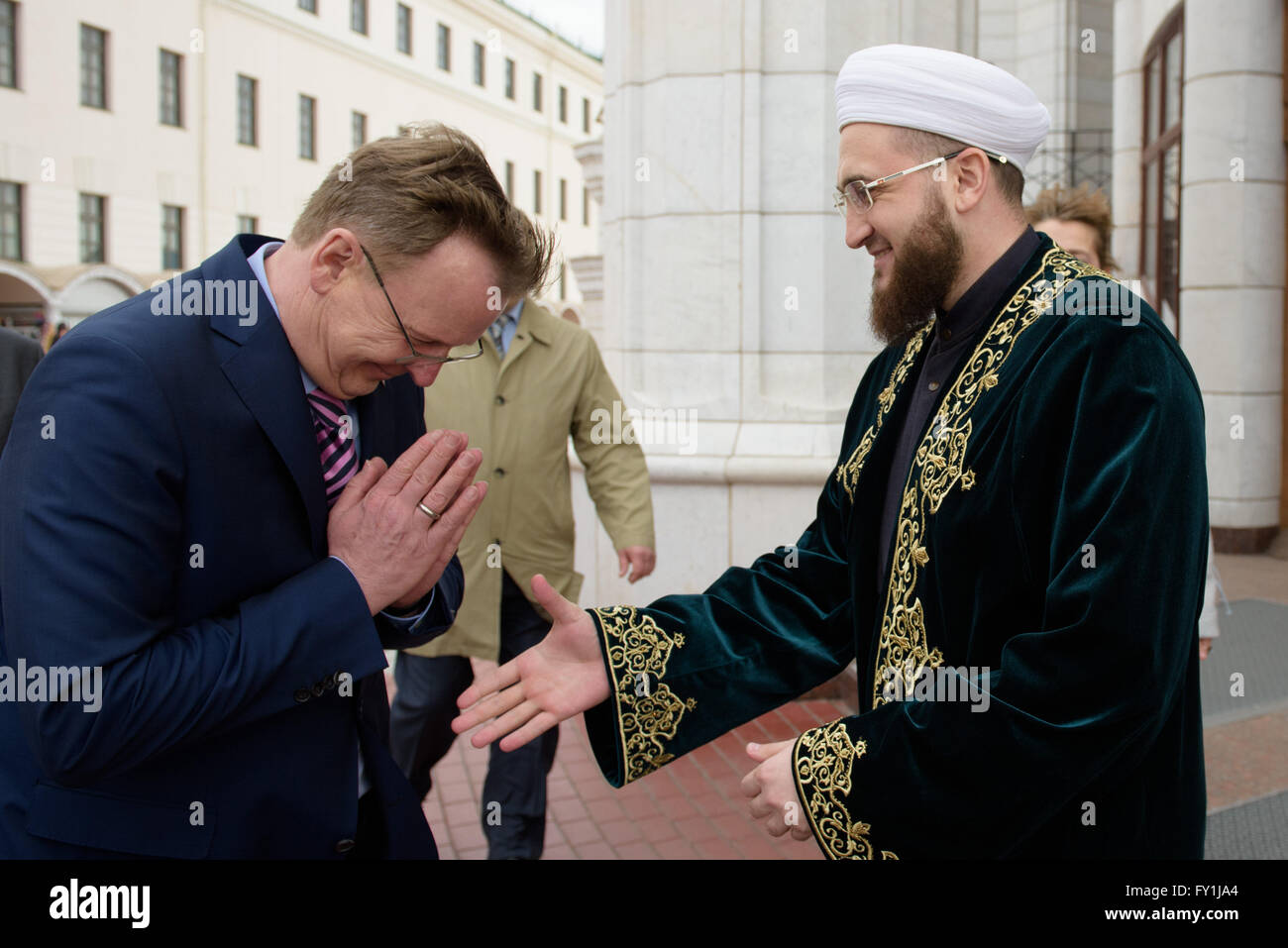 Kazan, Russia. 20th Apr, 2016. Thuringian State Premier Bodo Ramelow (L) meets with the Imam of the mosque, Ilfat Stock Photo