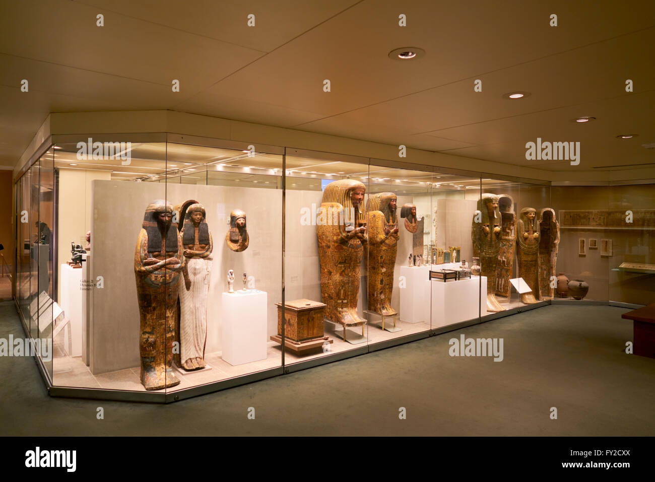 a glimpse at egyptian art at the metropolitan museum of art in new york city The met is the largest art museum in the united states, and one of the most-visited museums in the world in 2015, officials announced that a record 63 million people had swung through the museum.