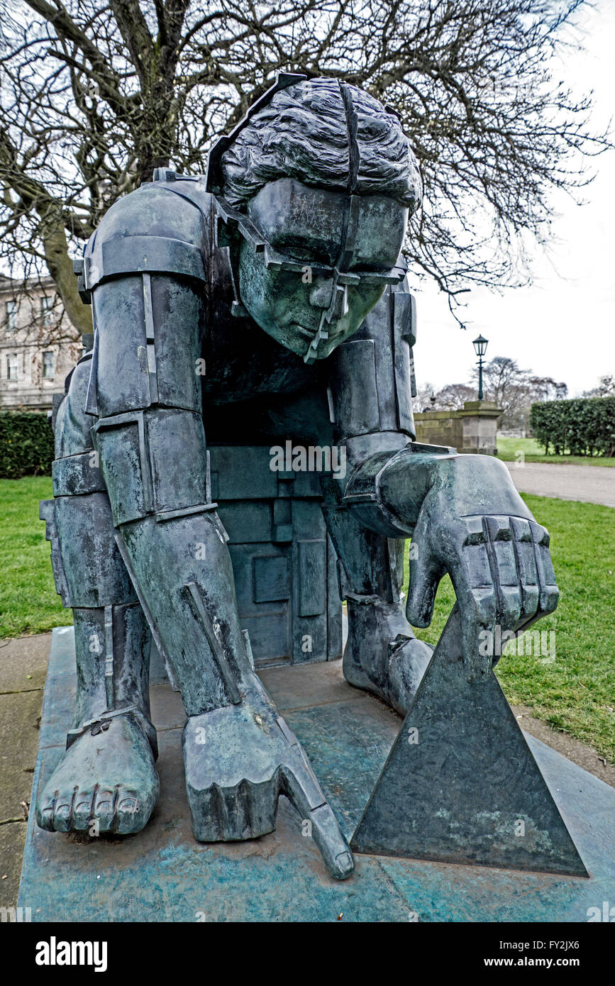 The figure of Sir Isaac Newton by Sir Eduardo Paolozzi at the entrance to the Gallery of Modern Art (Two) in Edinburgh. - Stock Image