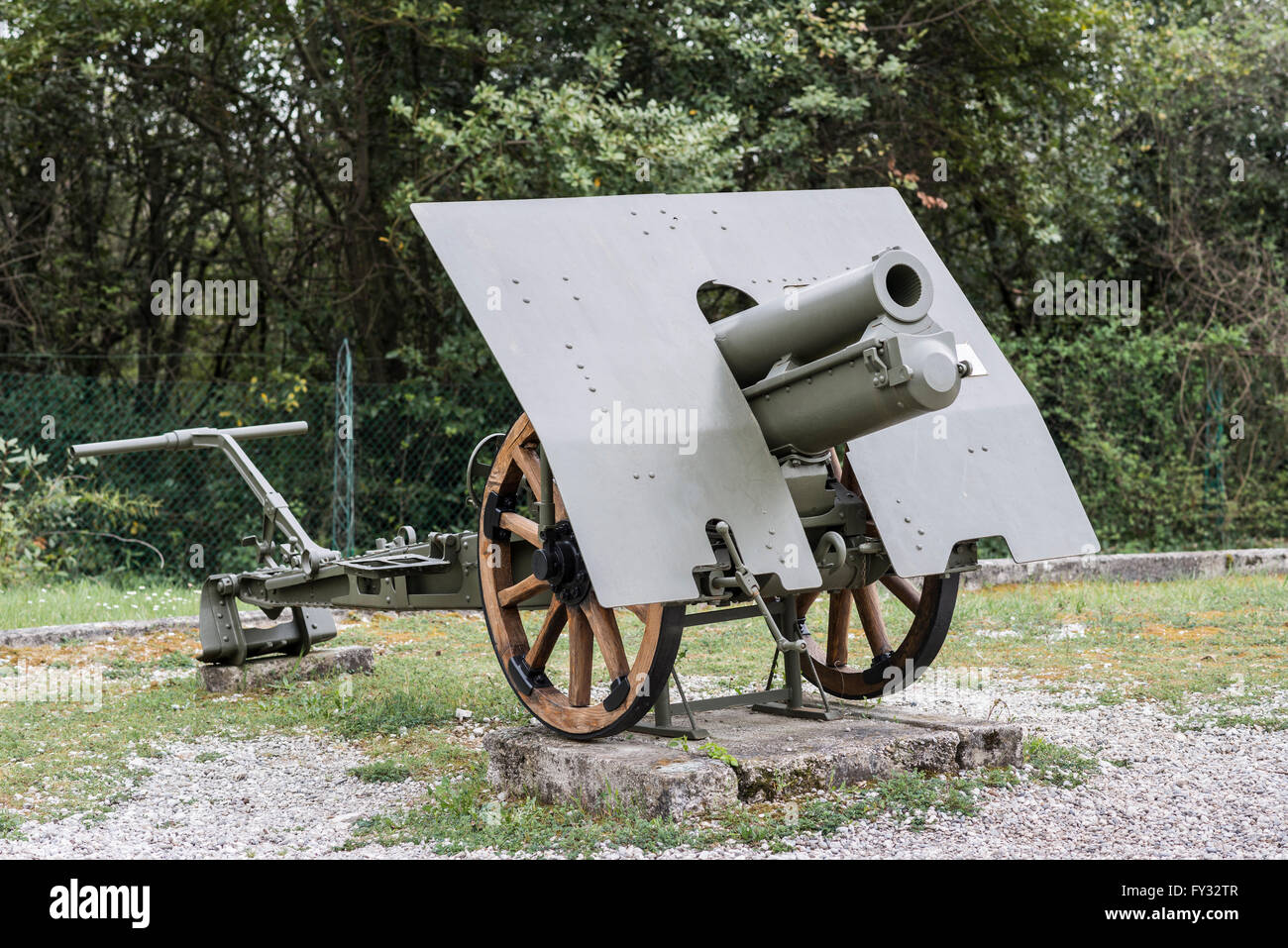 Howitzer 100-17, Park of Remembrance, Open Air Museum World War I on the Colle Sant'Elia hill, Isonzo, Redipuglia, - Stock Image