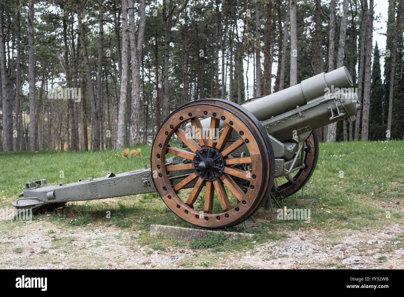 Howitzer 152-13, Park of Remembrance, Open Air Museum World War I on the Colle Sant'Elia hill, Isonzo, Redipuglia, - Stock Image