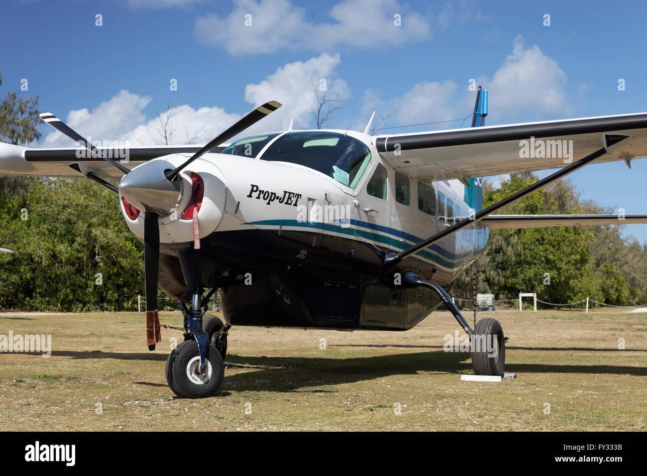 Cessna Caravan 208 Sea Air on unpaved airfield, Lady Elliot Island, Queensland, Australia - Stock Image
