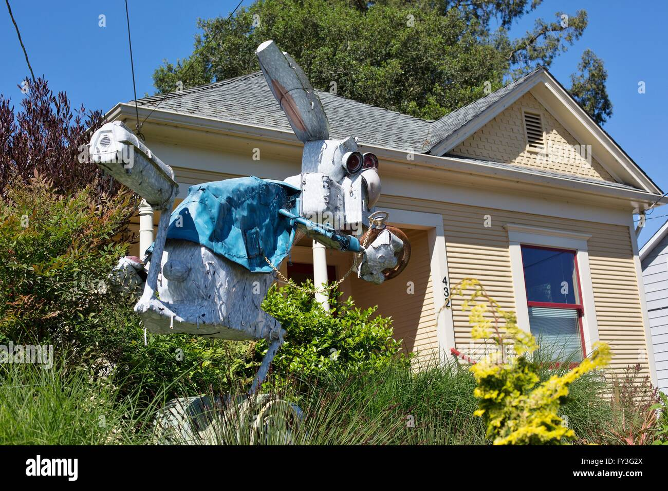 A sculpture by junk artist Patrick Amiot, in Sebastopol, California, US - Stock Image