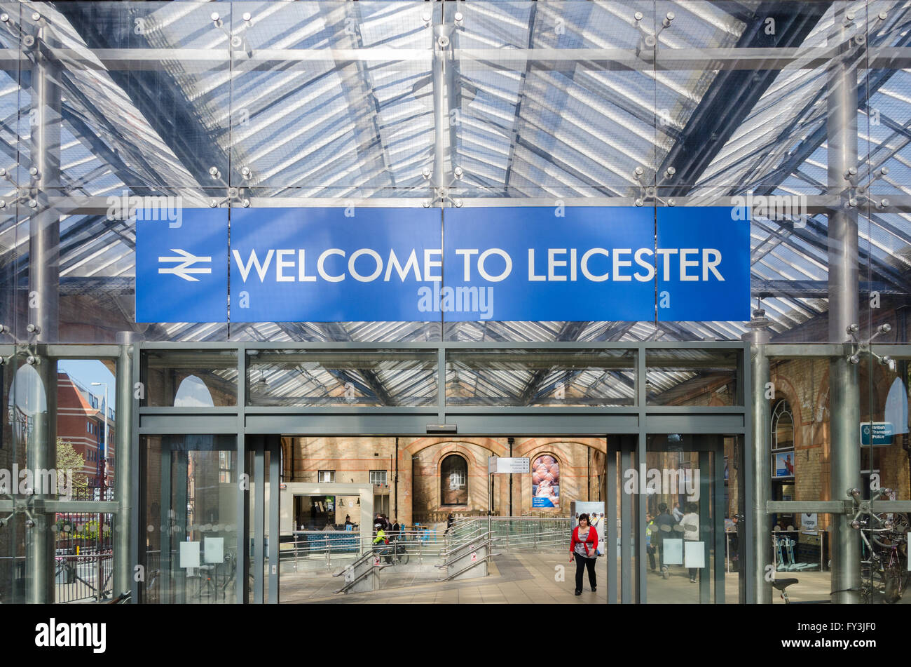 Sign saying 'Welcome To Leicester' in Leicester Railway Station - Stock Image