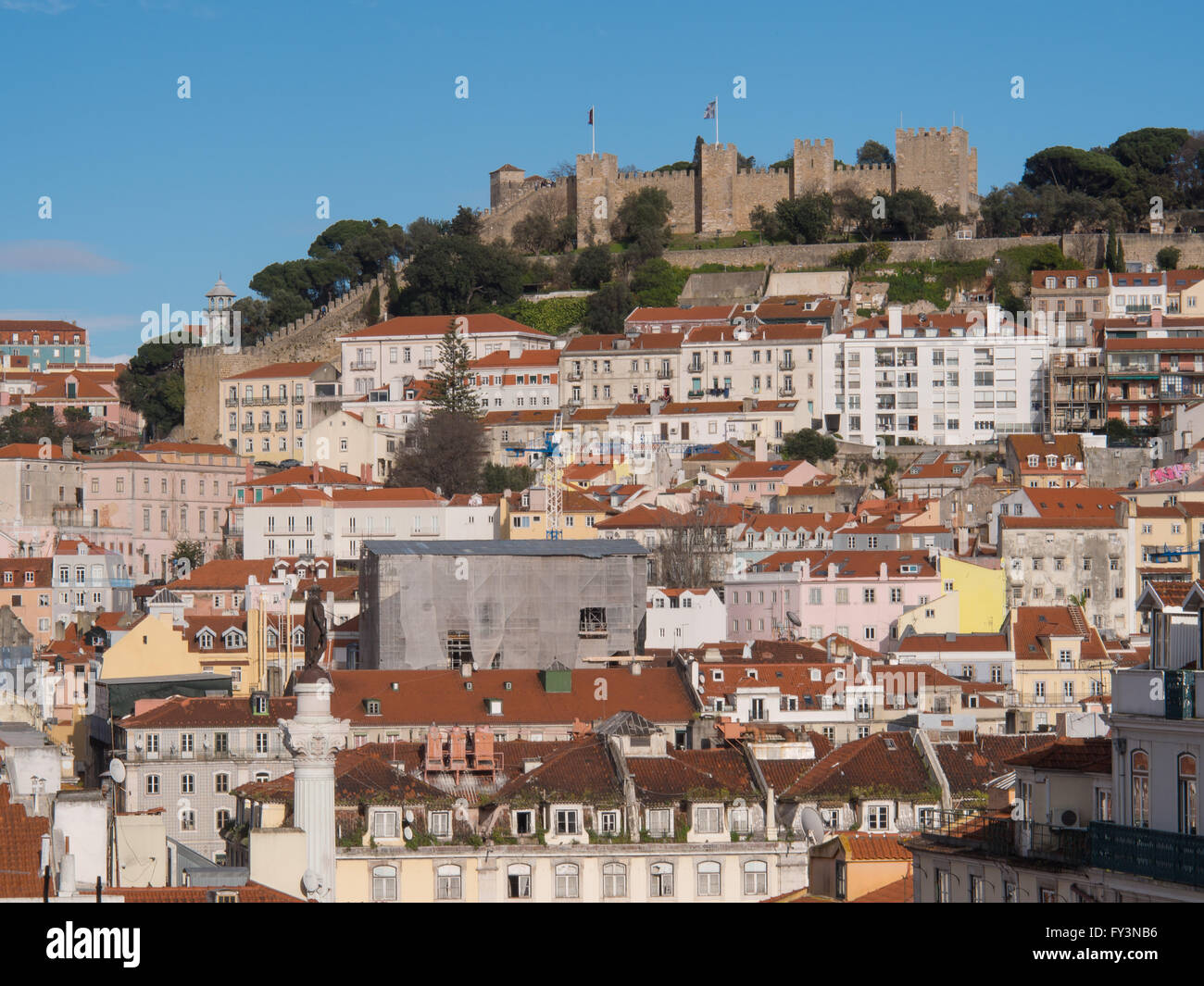 View of the city of Lisbon. Sao Jorge Castle, Alfama, Mouraria - Stock Image