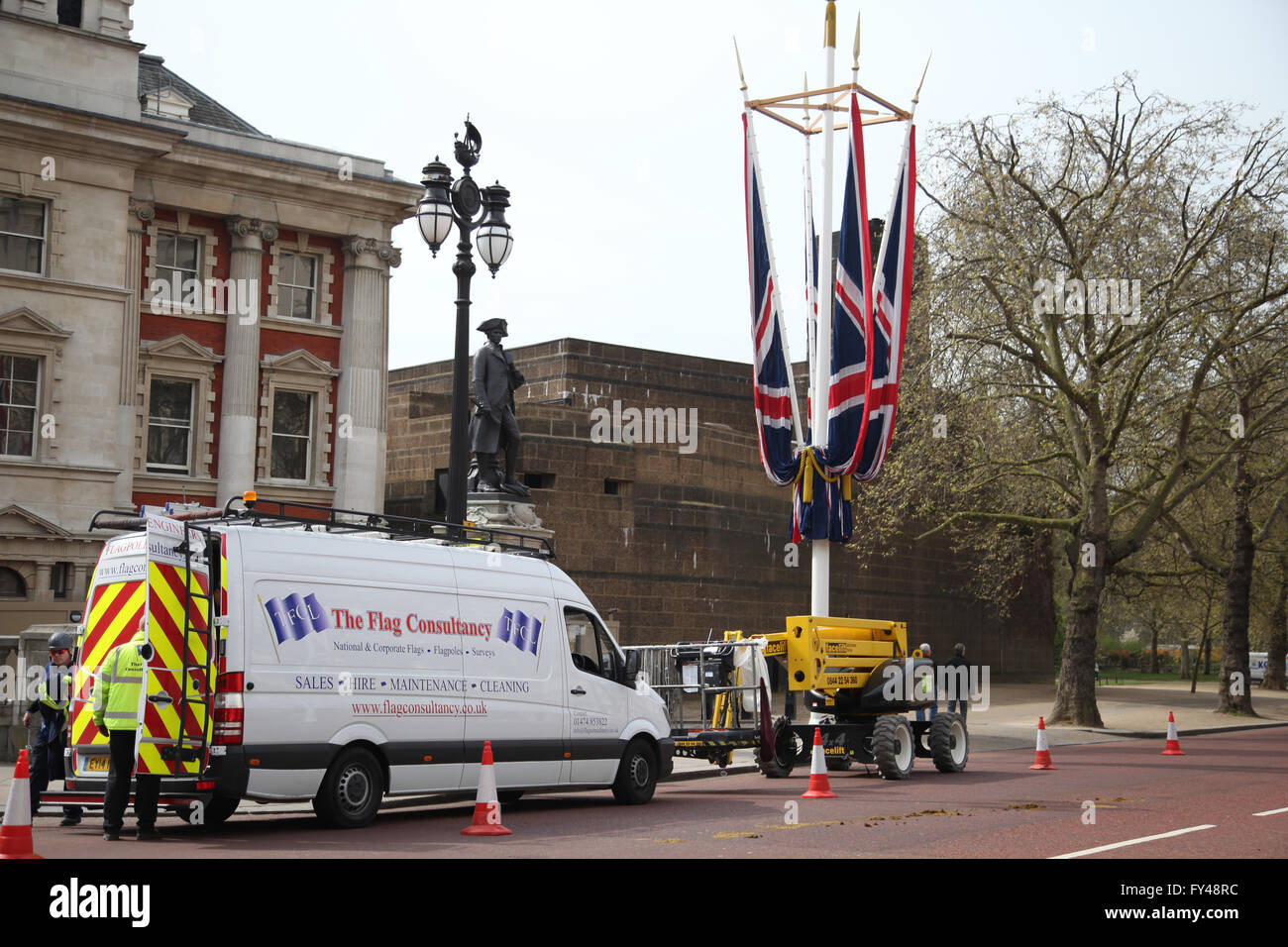 The Mall, London, 21 April 2016 - Flag company working to put the flags in the Mall, London, in preparation for - Stock Image