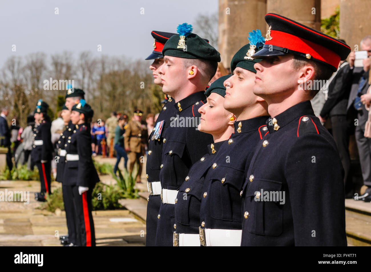 Soldiers from the 'Ulster's Gunners' in ceremonial uniform. - Stock Image