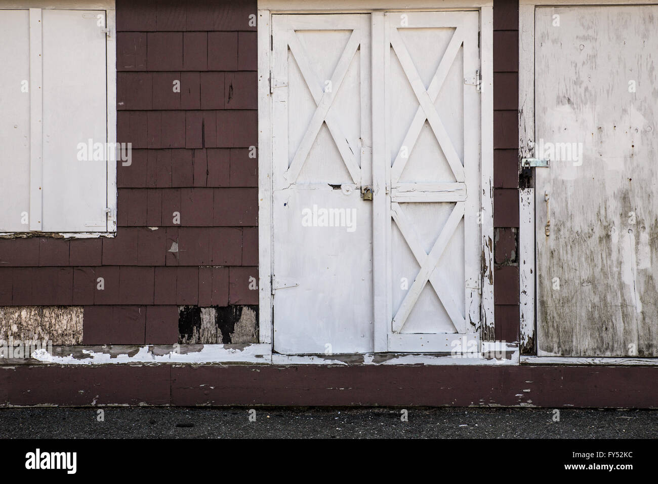 Broken Barn Doors Stock Photos Broken Barn Doors Stock Images Alamy