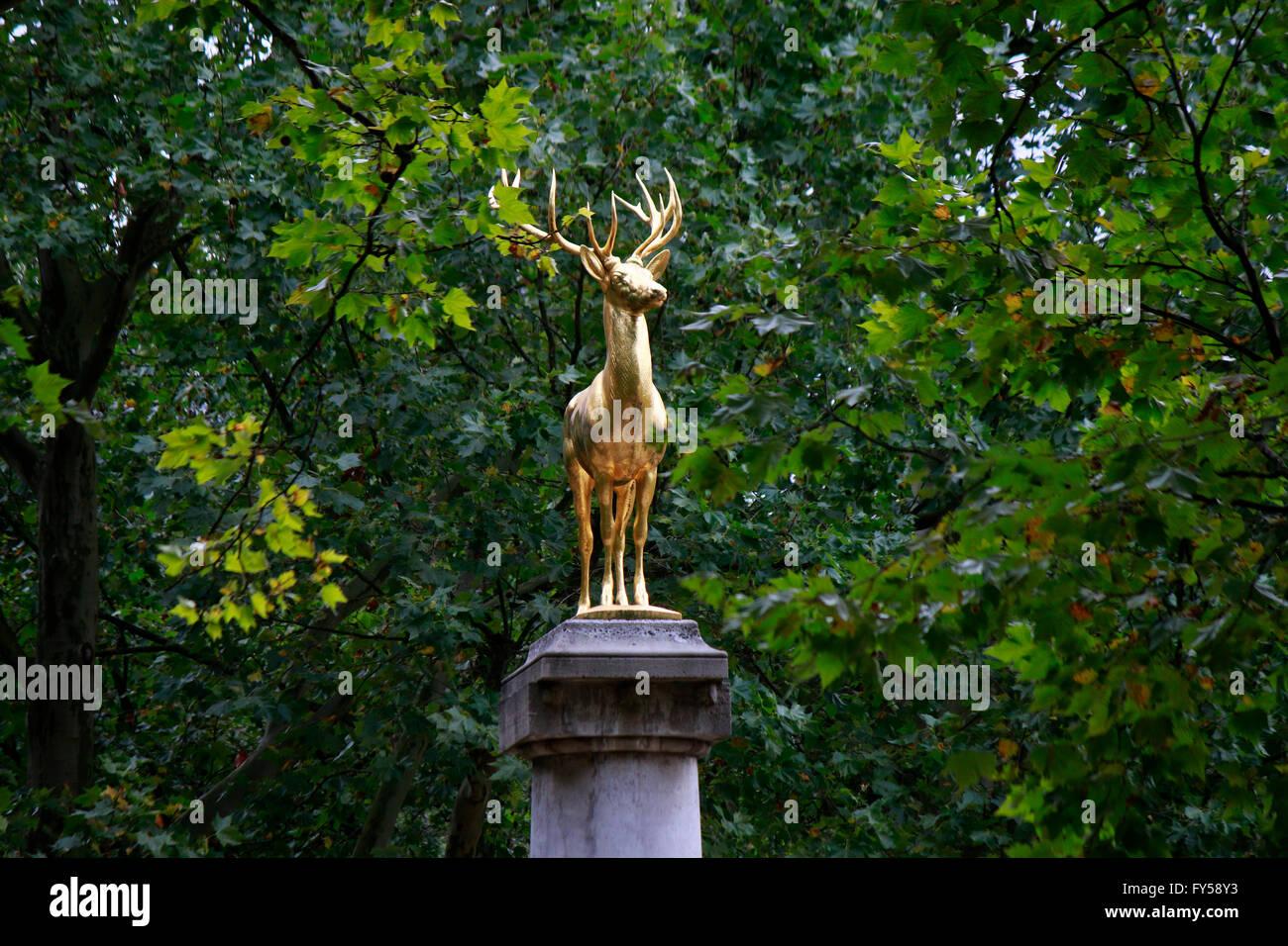 Goldener Hirsch, Berlin-Schoenberg. - Stock Image
