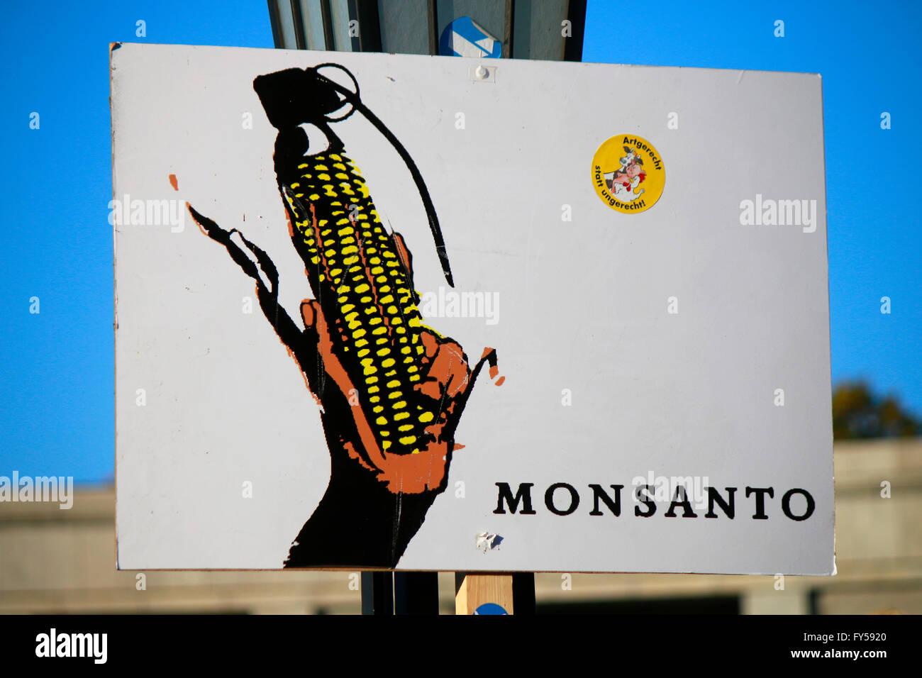 Protest gegen den Konzern 'Monsanto' - Impressionen Demonstrationen gegen TTIP, 10. Oktober 2015, Berlin. - Stock Image
