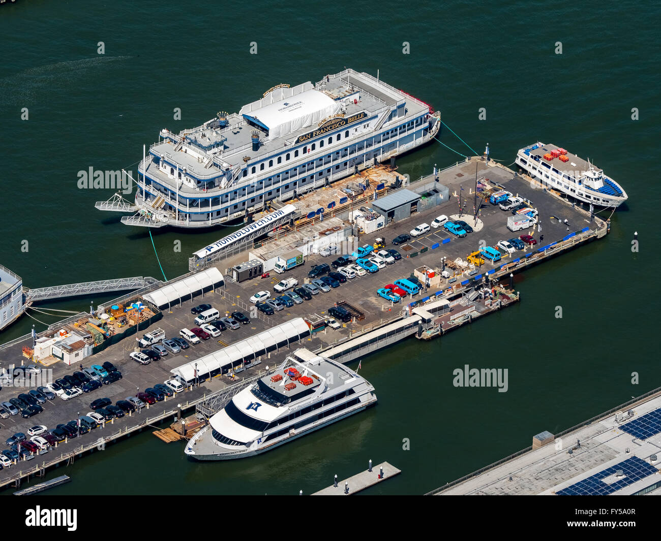 Aerial view of Pier 3, Pier to Alcatraz, San Francisco Belle dining yacht, Hornblower cruises, San Francisco - Stock Image