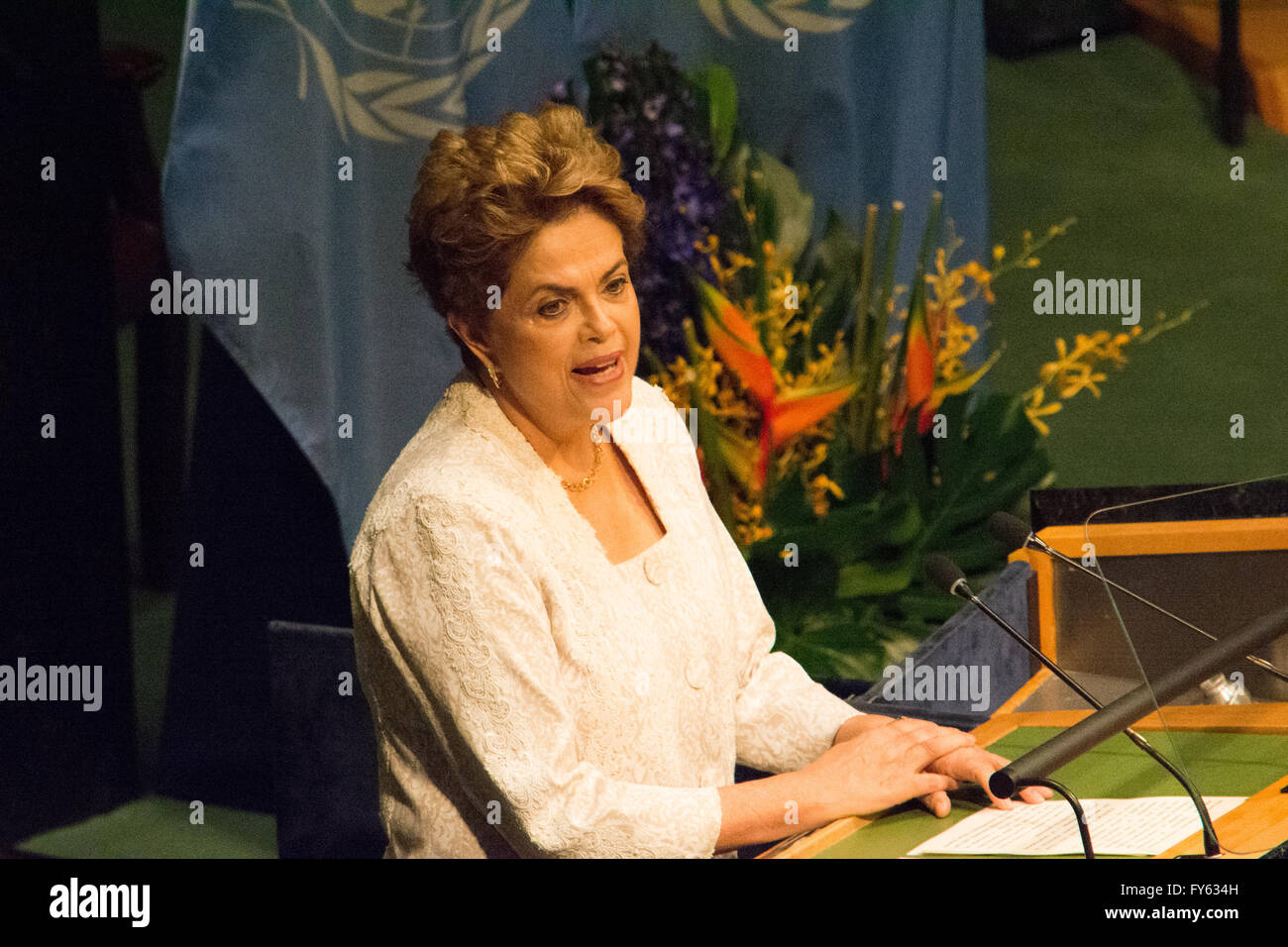 New York, USA. 22nd April 2016. Dilma Rousseff, the embattled president of Brazil, speaks at the signing ceremony. - Stock Image