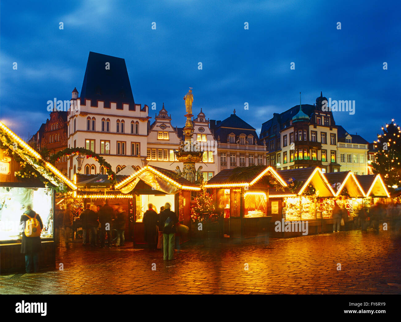Christmas market in Tier, Market Square, Rhineland Palatinate, Germany - Stock Image