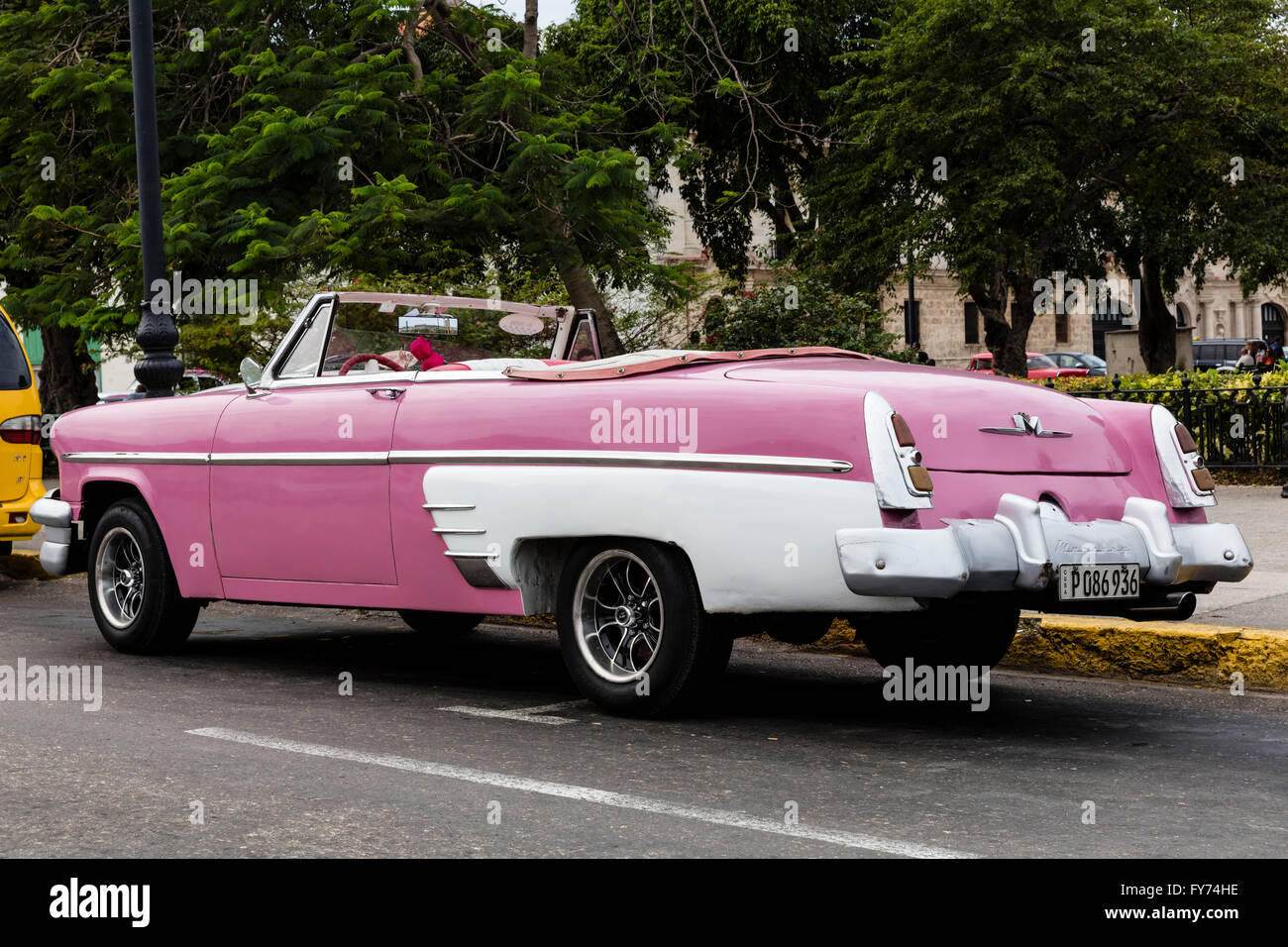 Old classic American cars on the streets of old Havana Stock Photo ...