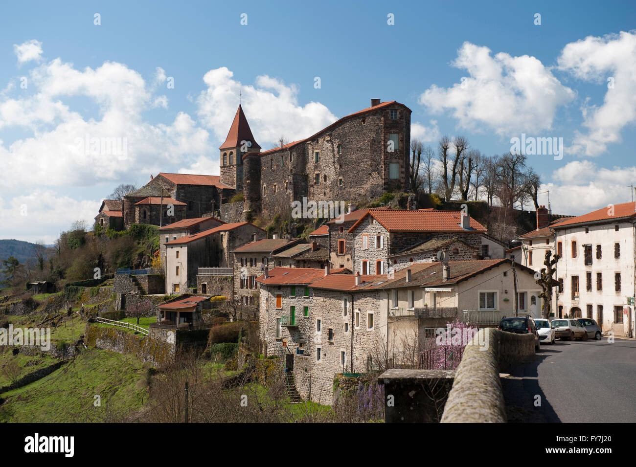 Village of Saint-Privat-d'Allier  in Haute-Loire department,Auvergne, France, with fort and church - Stock Image