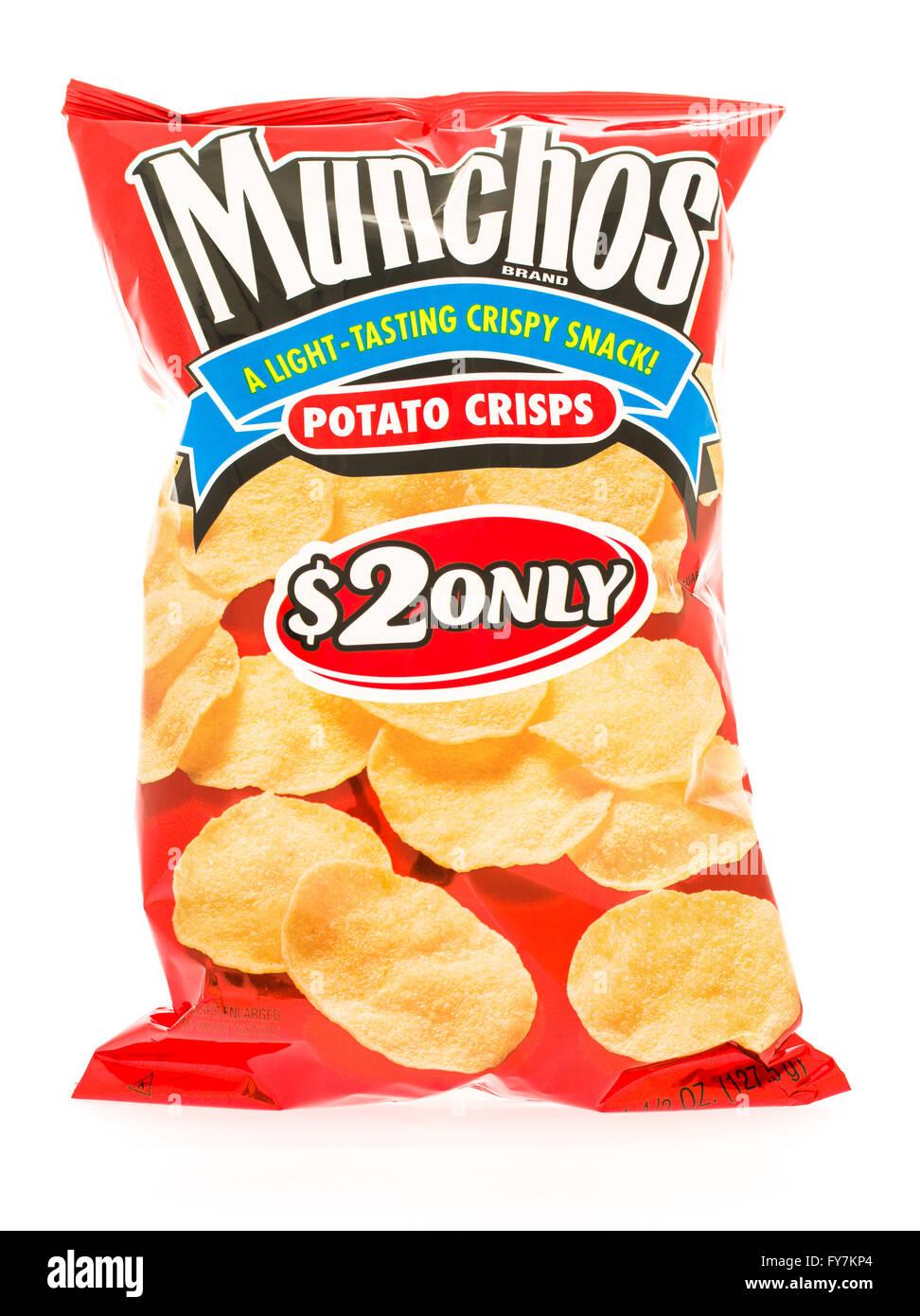 Winneconni, WI - 23 June 2015:  Bag of Munchos potato crisps - Stock Image