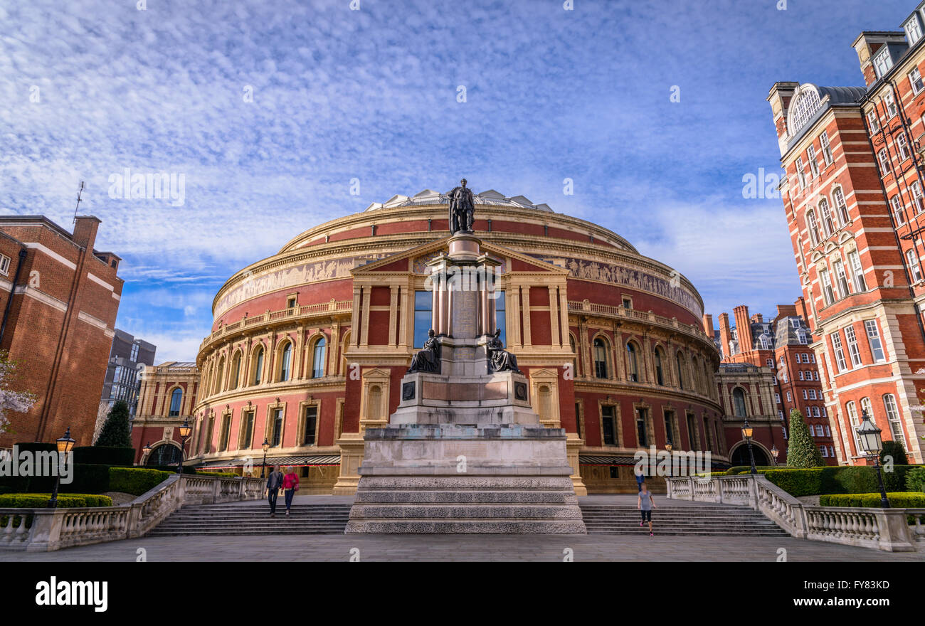 Albert Hall opened in 1871 with a capacity of up to 5,272 seats for classical and pop concerts, opera, ballet, award - Stock Image
