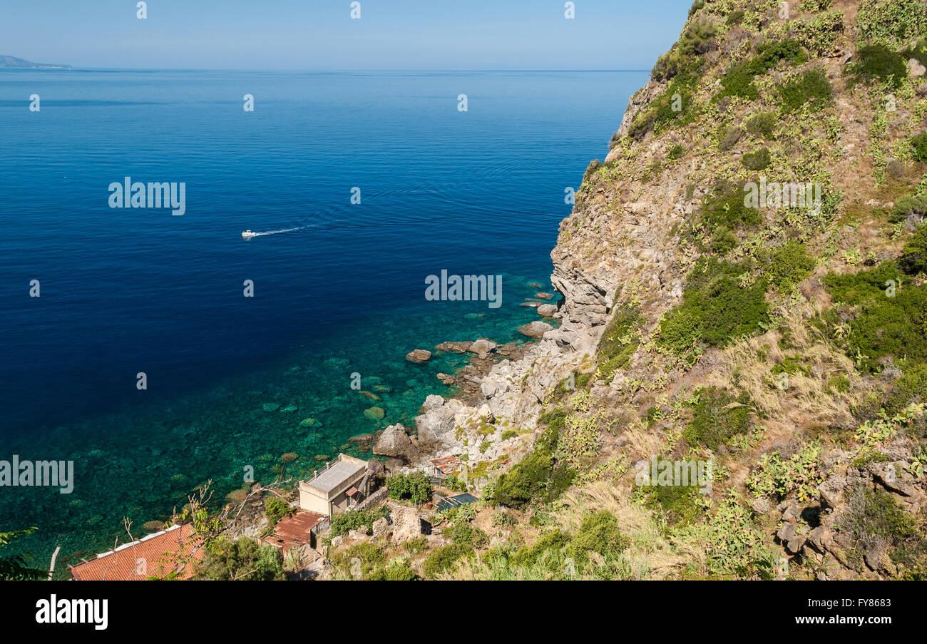 Rocky coastline along 'Costa Viola' in Calabria (southern Italy) - Stock Image