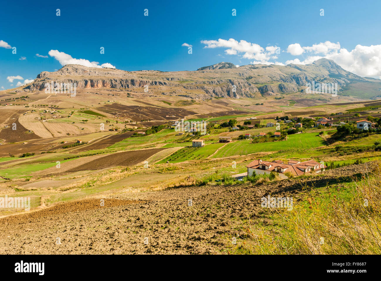Rocca Busambra, the highest mountain in the chain of Sicani (western Sicily) - Stock Image