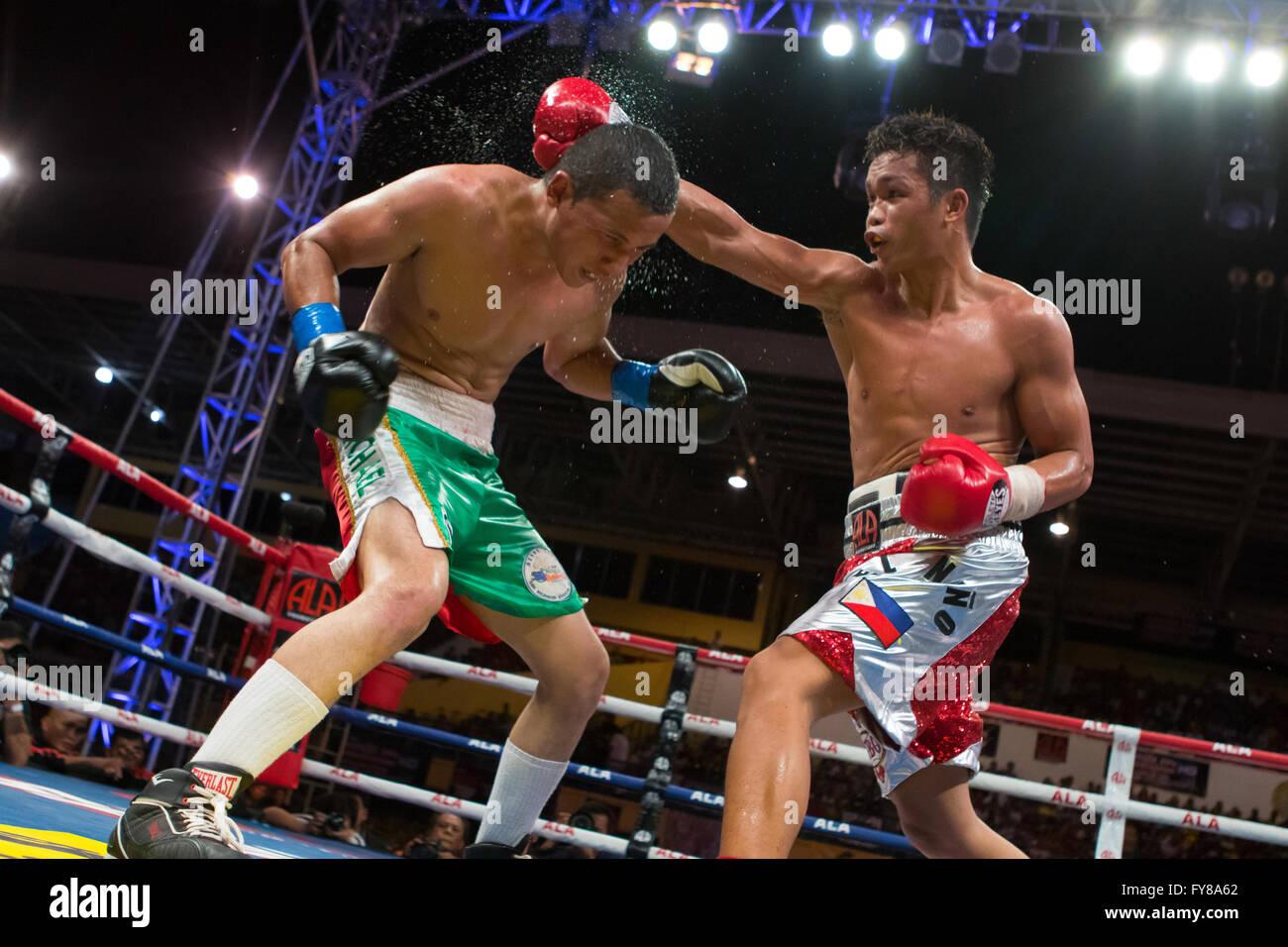 23/4/2016 Cebu City Sports Complex,Cebu City,Philippines.Jason 'El Nino' Pagara vs Miguel Zamudio - Stock Image