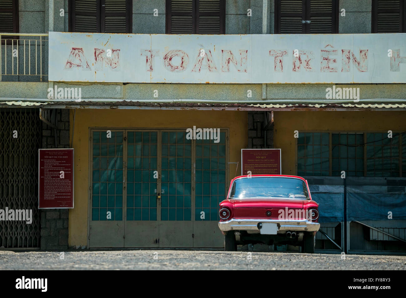 Vietnam, Da Lat, old car in front of an house - Stock Image