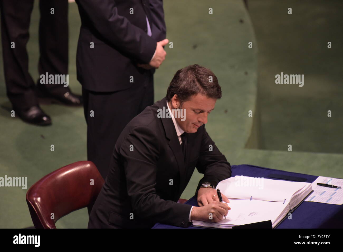 New York City, United States. 22nd Apr, 2016. Italian prime minister Matteo Renzi, signs for Italy. The United Nations - Stock Image