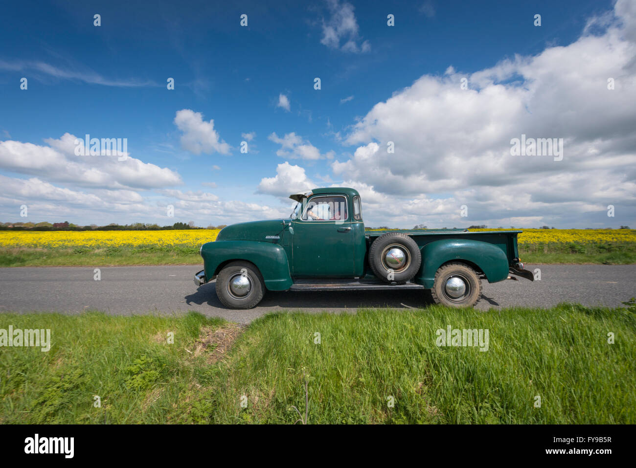 Willingham, Cambridgeshire, UK. 24th April, 2016. Vintage vehicles take part in a Yesteryear Vintage Rally starting - Stock Image