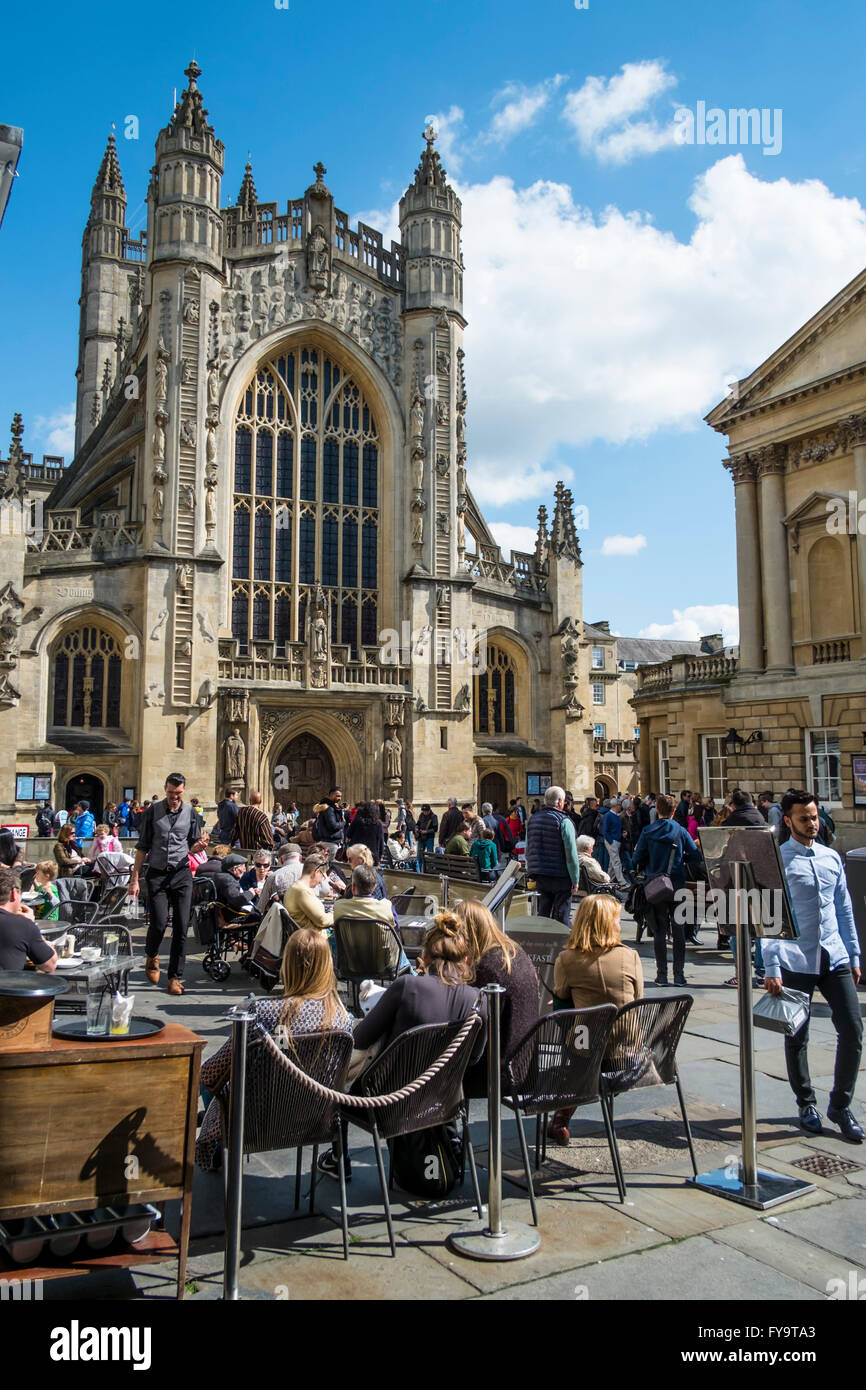 Bath Somerset England UK Bath Abbey and courtyard cafe - Stock Image