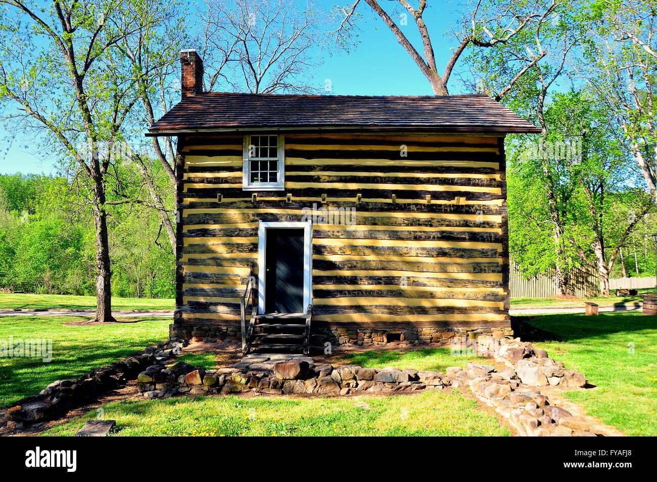 Bethabara, North Carolina:  18th century fachwerk cabin at the Bethabara Moravian settlement historic site * - Stock Image