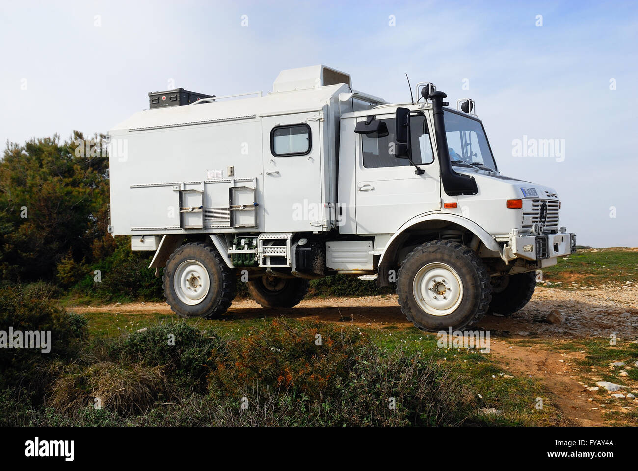 Page 2 Mercedes Truck High Resolution Stock Photography And Images Alamy