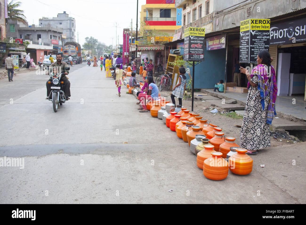 Latur, Maharashtra. 20th Apr, 2016. 20 April 2016 - Latur Stock ...