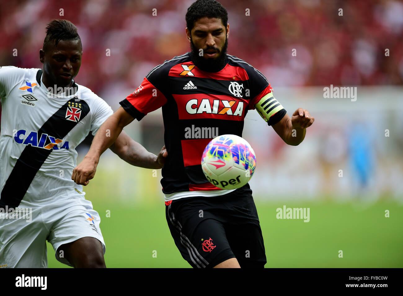 MANAUS, AM - 24/04/2016: FLAMINGO X VASCO - Wallace dispute ball over Flamengo x Vasco held at the Arena da Amaz?nia. - Stock Image