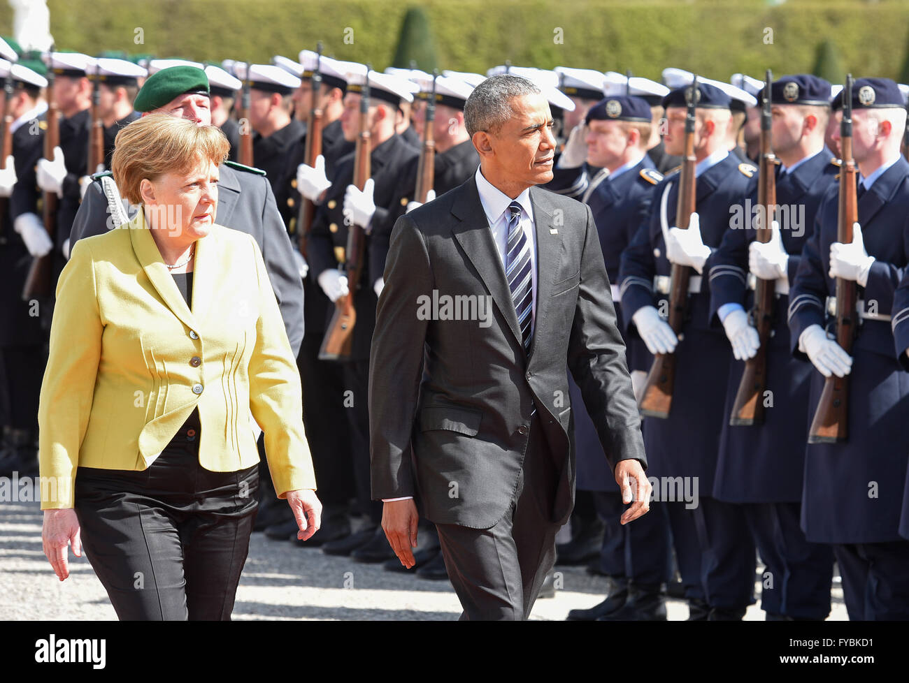 Hanover, Germany. 24th April, 2016. German Chancellor Angela Merkel and U.S. President Barack Obama during military - Stock Image