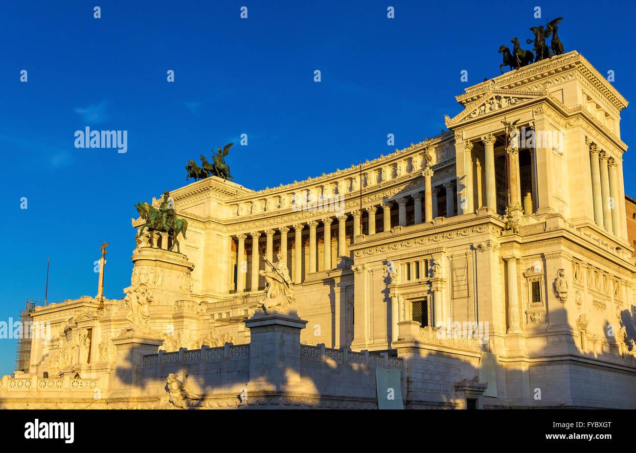 Victorian Vittorio Emanuele Monument Rome Stock Photos & Victorian ...