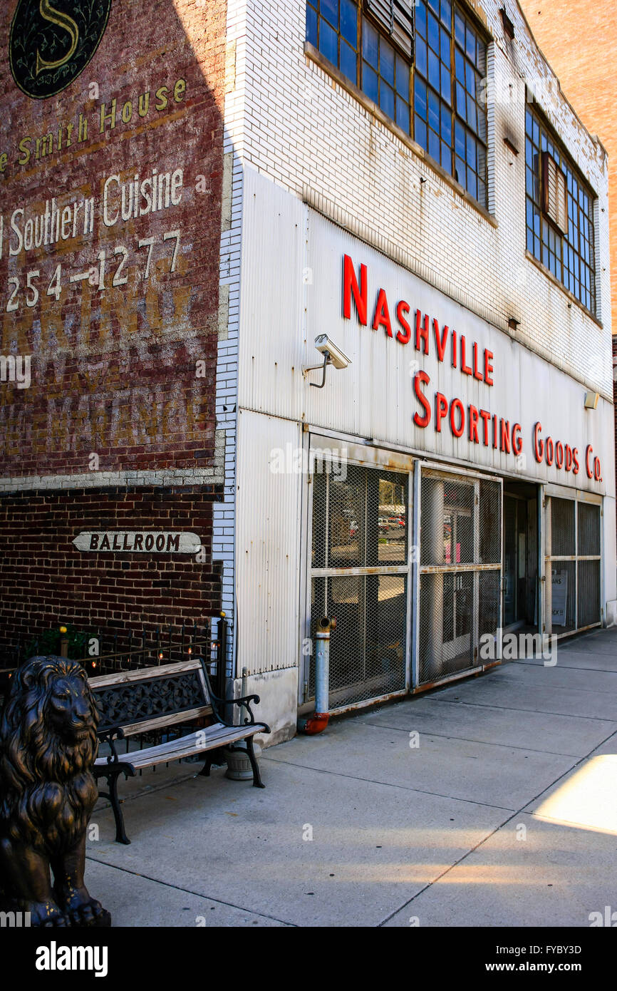 Nashville Sporting Goods store on 9th Ave - Stock Image