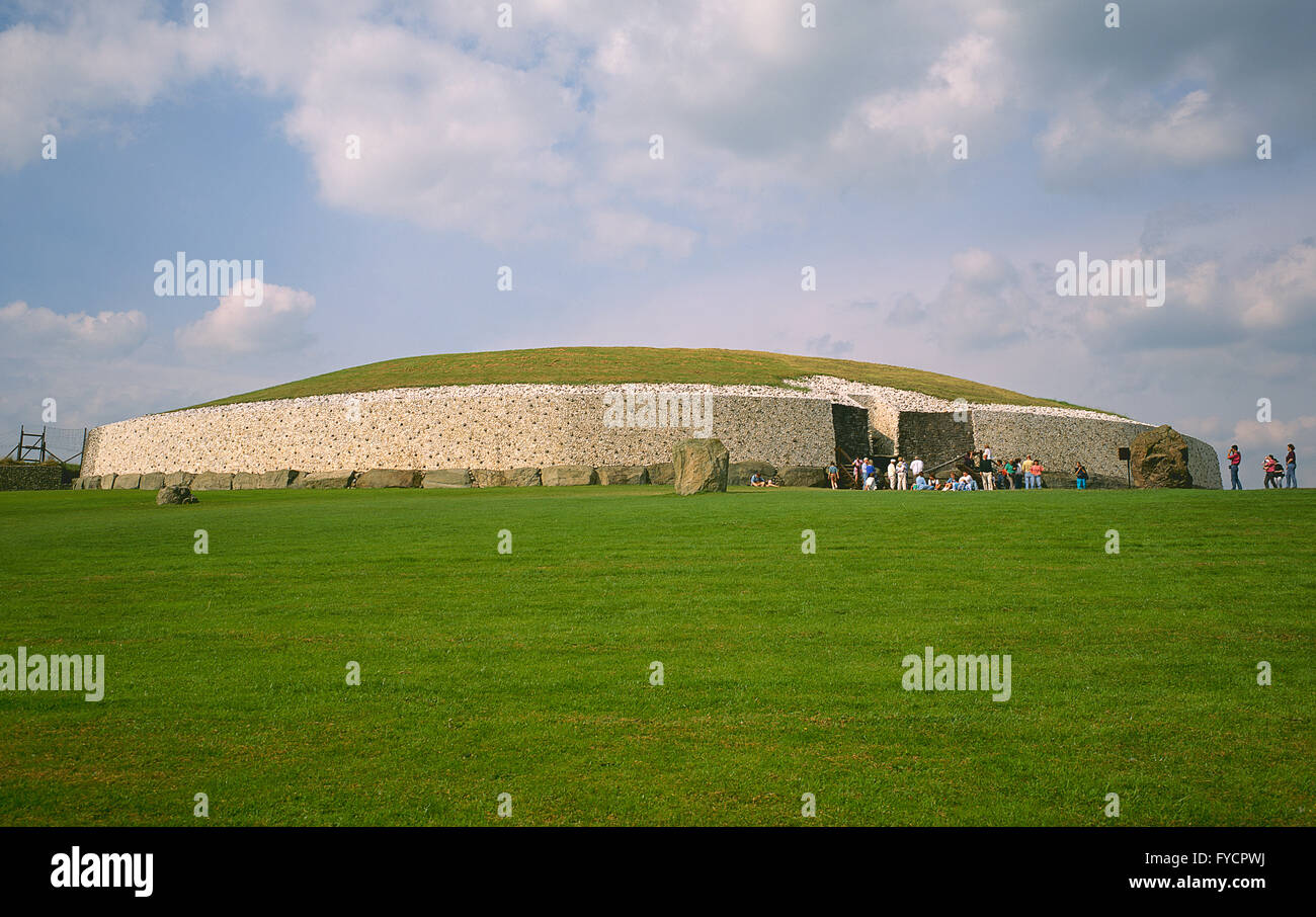 Newgrange, prehistoric monument in County Meath, Ireland Built during the neolithic period, between 2000 and 3000BC. - Stock Image