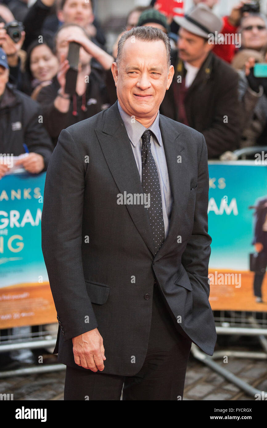 London, UK. 25 April 2016. Actor Tom Hanks arrives for the UK premiere of the film A Hologram for the King at the - Stock Image