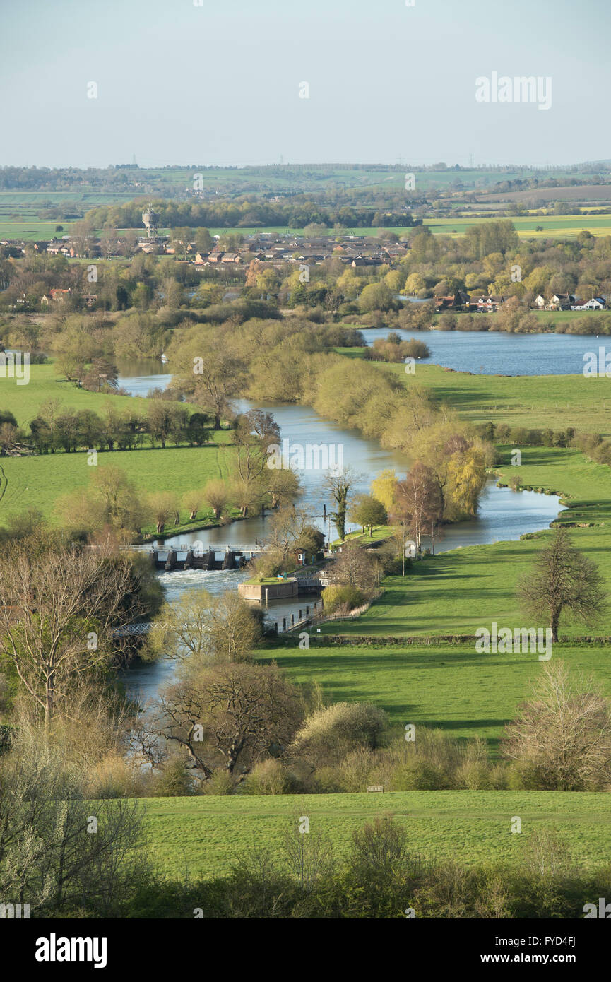 Looking over Day's Lock on the River Thames from Round Hill, Wittenham Clumps, near Dorchester on Thames, Oxfordshire, Stock Photo