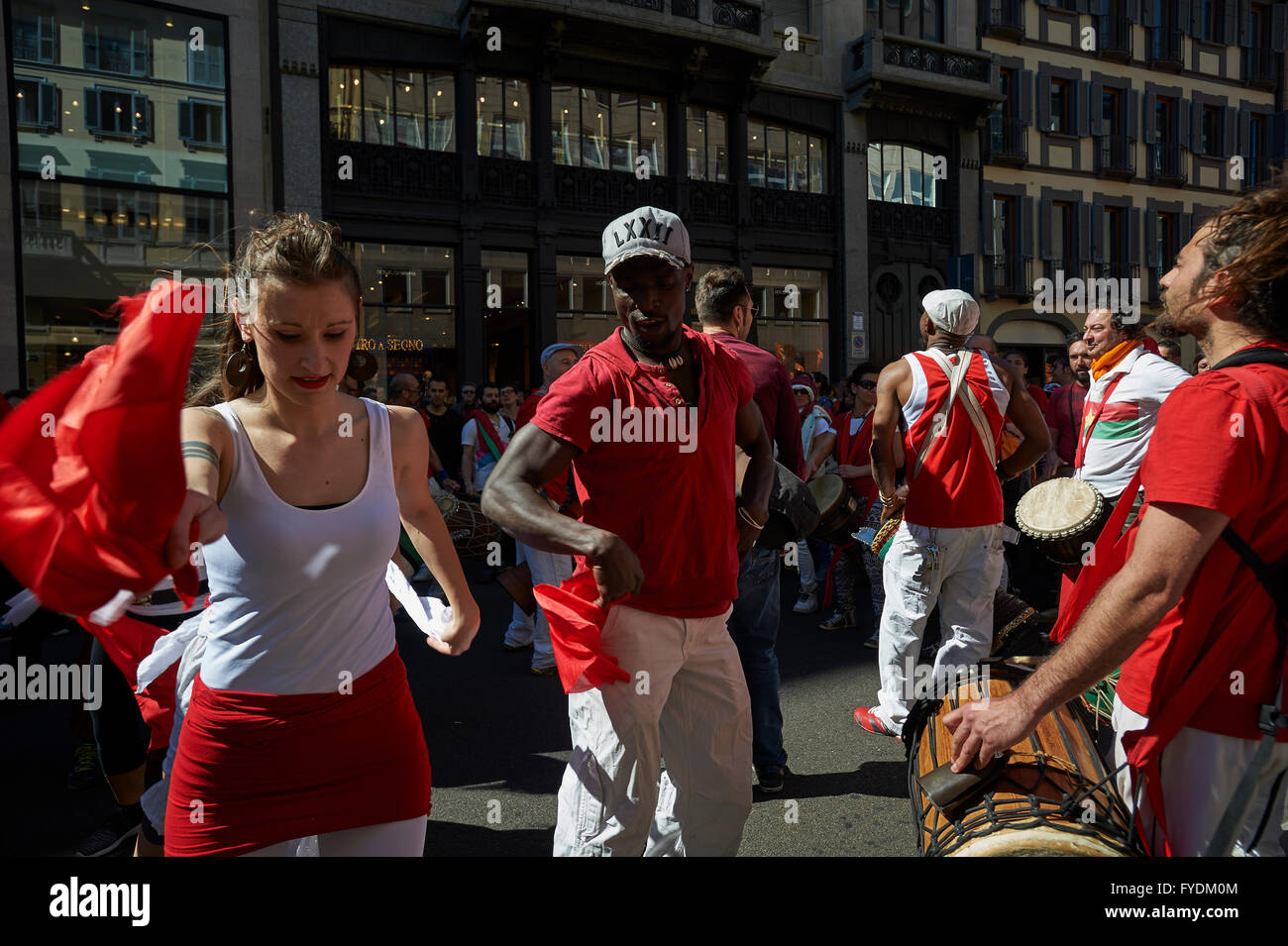 Milan, Italy, 25 April, 2016. Dancers at the Parade for the Liberation Day, Milan Credit:  Valeria Ferraro/Alamy - Stock Image