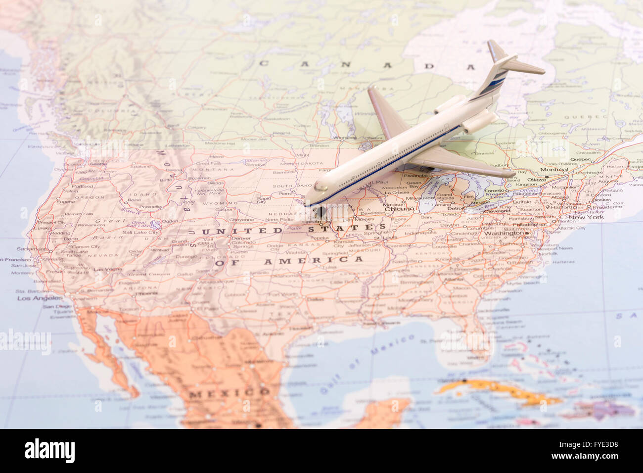 Image of: Miniature Of A Passenger Airplane Flying On The Map Of United States Stock Photo Alamy