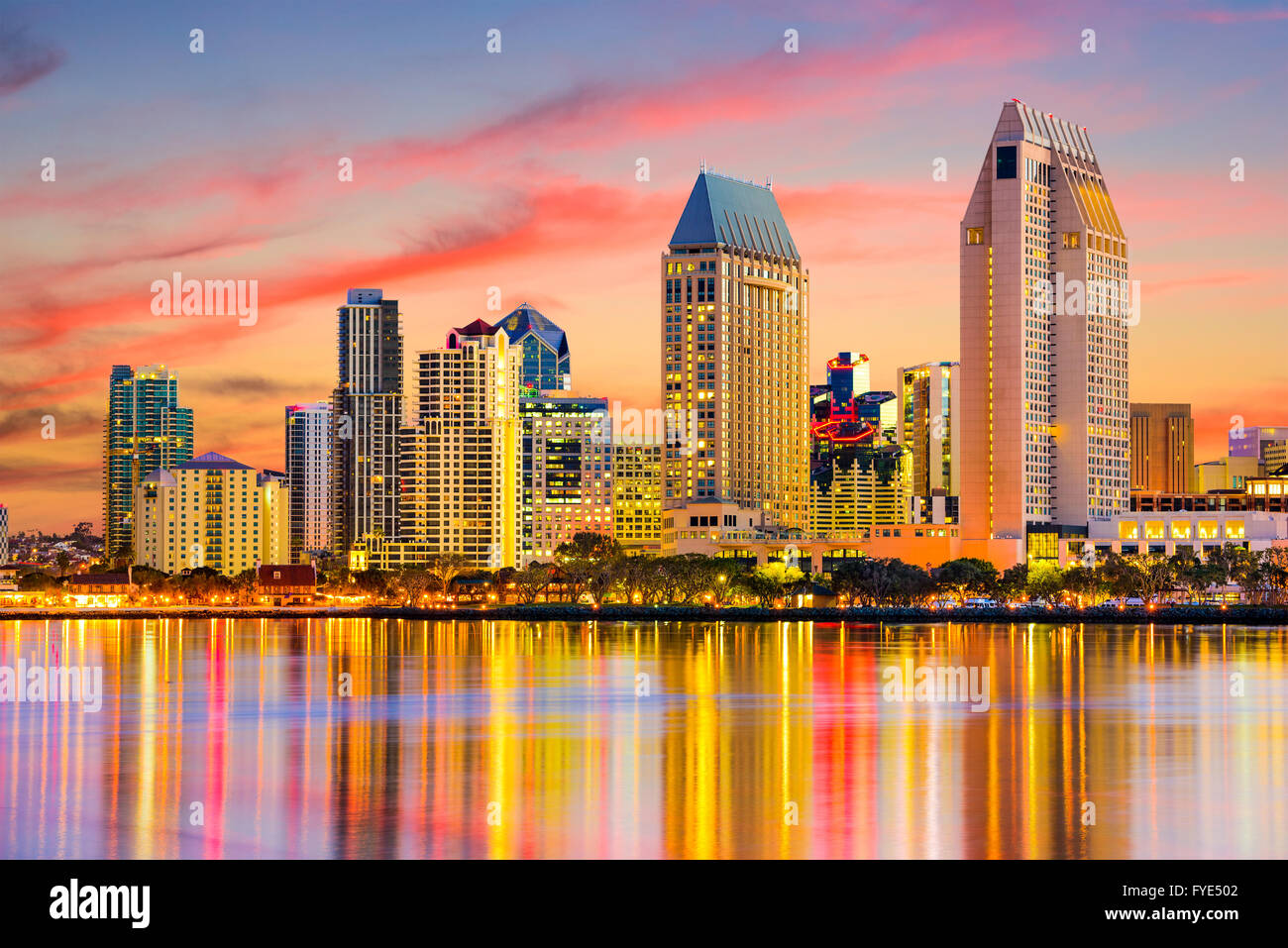 San Diego Night Skyline High Resolution Stock Photography And Images Alamy