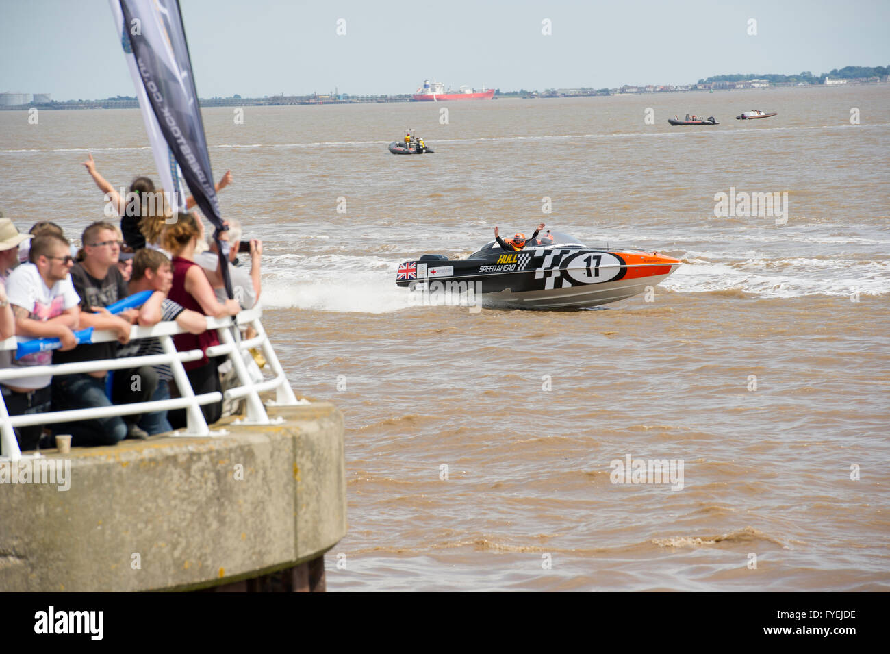 P1 Superstock powerboat racing along the Humber past the Marina in the city of Kingston Upon Hull, UK City Of Culture - Stock Image