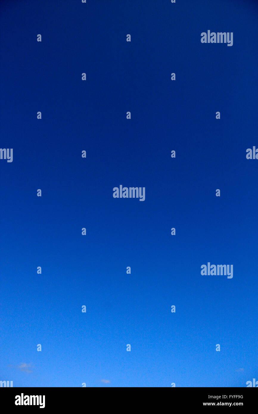 azurblauer Himmel. - Stock Image