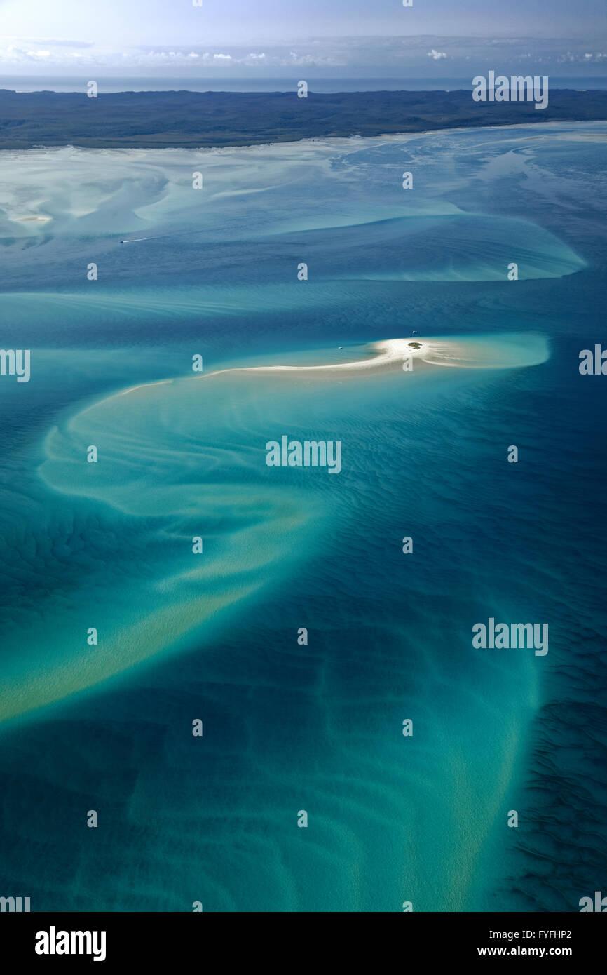 Tiny island, sandbar in the Pacific, behind Frazer Island, Queensland, Australia - Stock Image