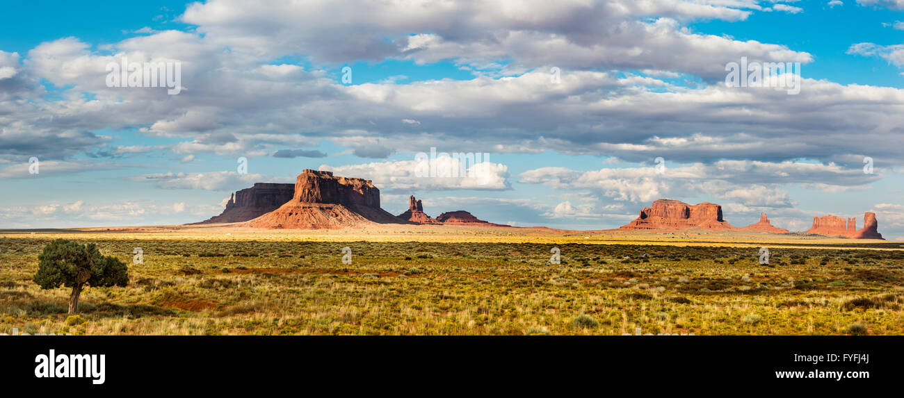 Mesas, Monument Valley Navajo Tribal Park, Navajo Nation, Arizona, Utah, USA - Stock Image