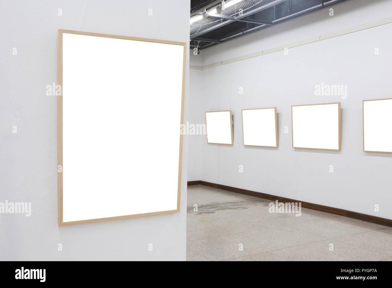 empty frames in museum Stock Photo: 103016238 - Alamy